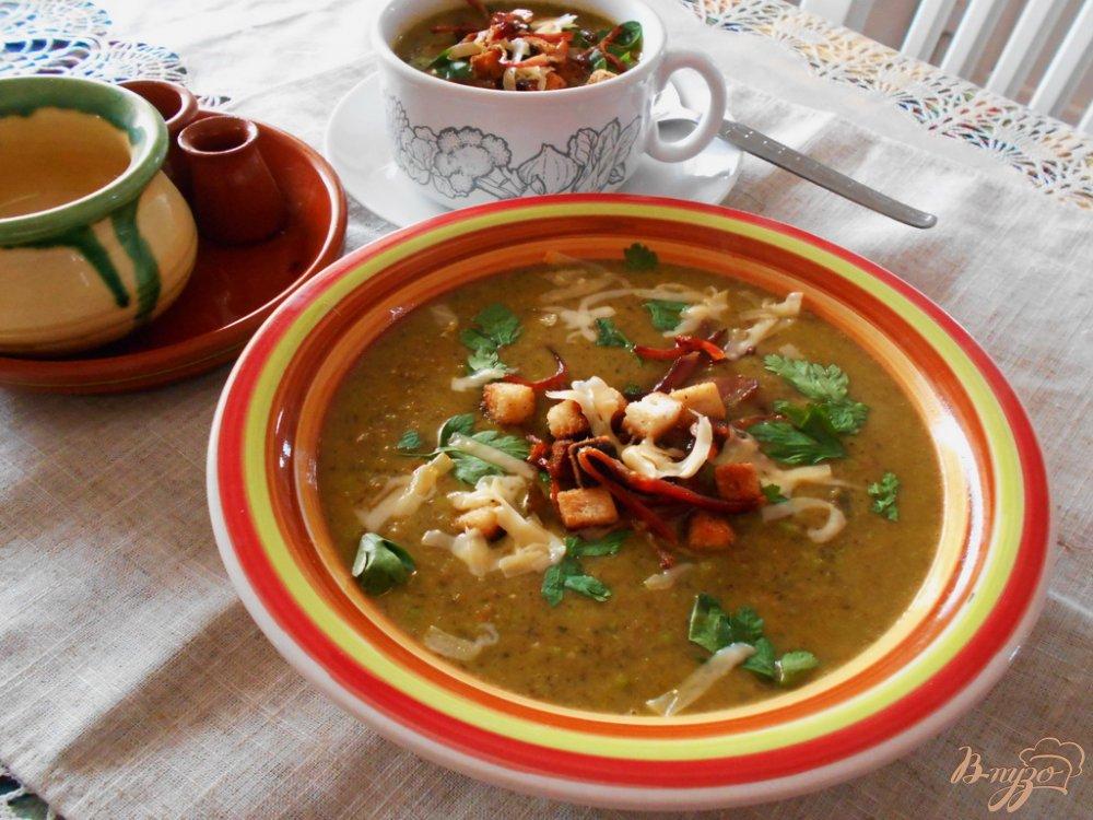 Фото приготовление рецепта: Суп с овсяными хлопьями и зеленым горошком шаг №8