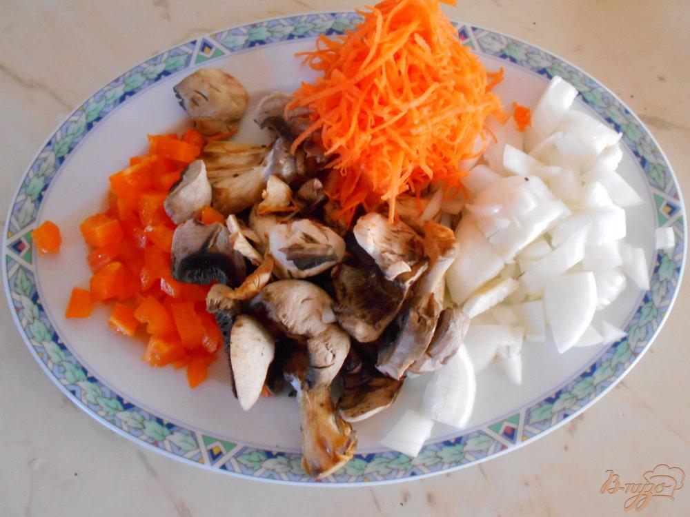 Фото приготовление рецепта: Суп с овсяными хлопьями и зеленым горошком шаг №1