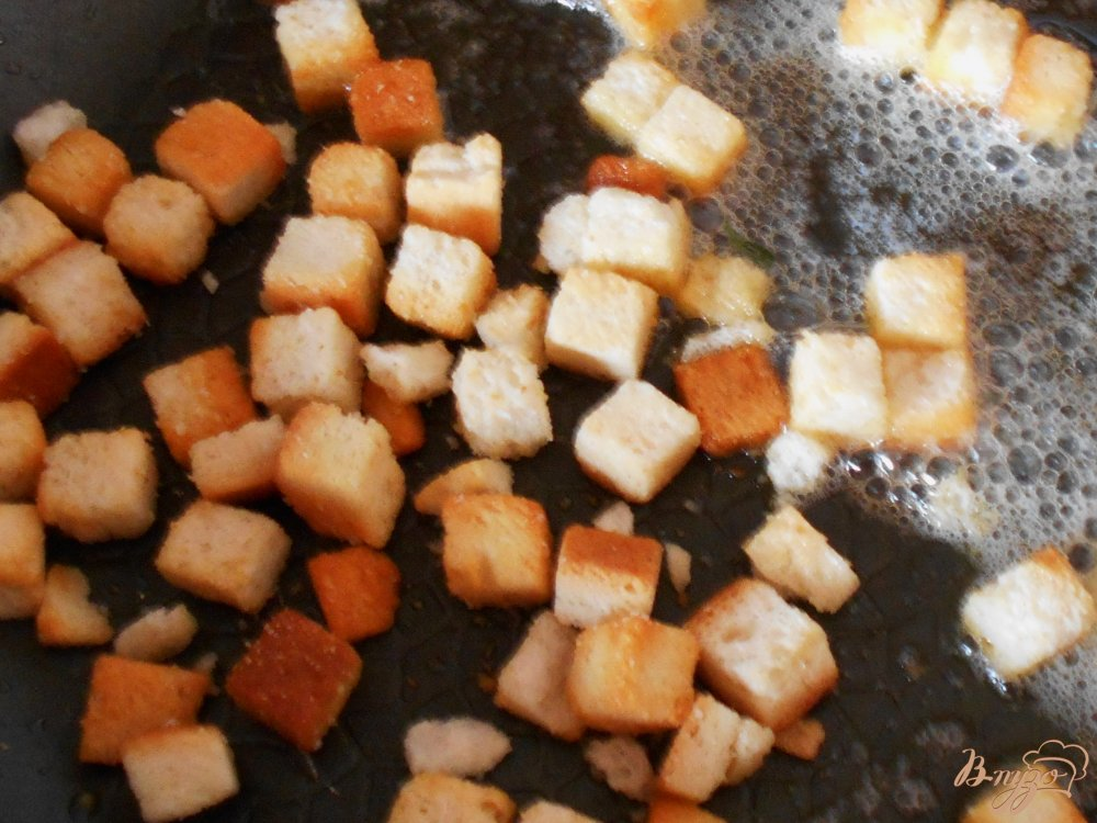 Фото приготовление рецепта: Суп с овсяными хлопьями и зеленым горошком шаг №7