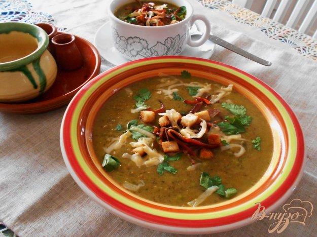 фото рецепта: Суп с овсяными хлопьями и зеленым горошком