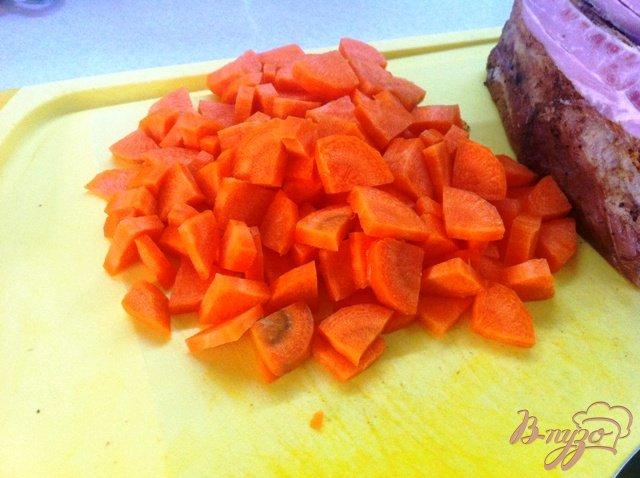 Фото приготовление рецепта: Гороховый суп с копчеными ребрышками шаг №3