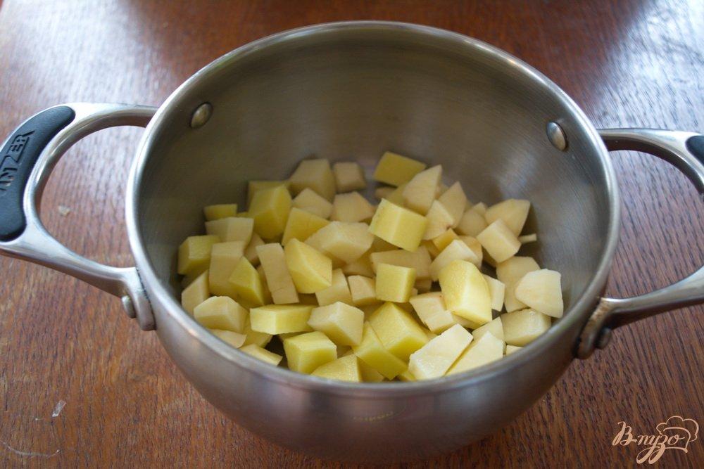 Фото приготовление рецепта: Рисовый суп с фаршем шаг №4
