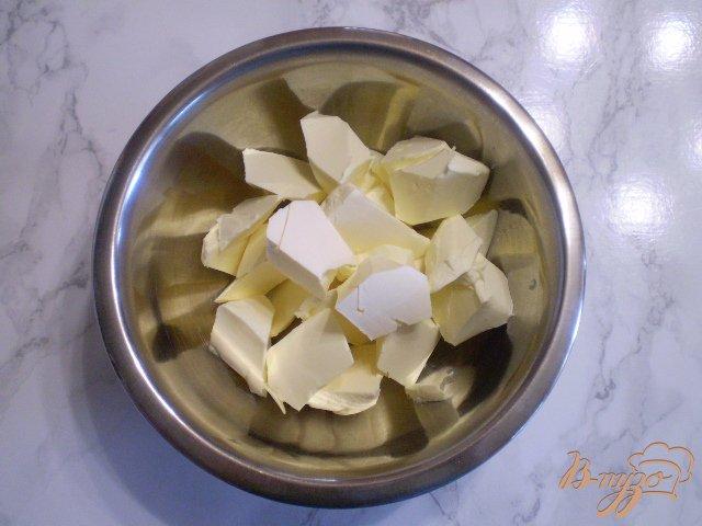 Фото приготовление рецепта: Кексы ванильные с творогом и изюмом шаг №2