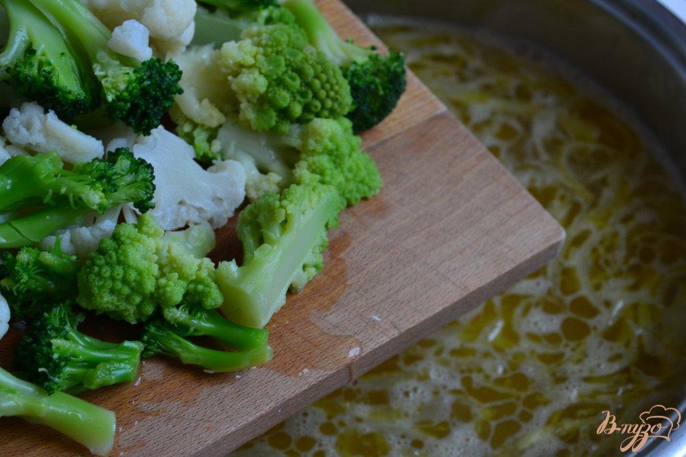 Фото приготовление рецепта: Капустный суп с белой фасолью шаг №3