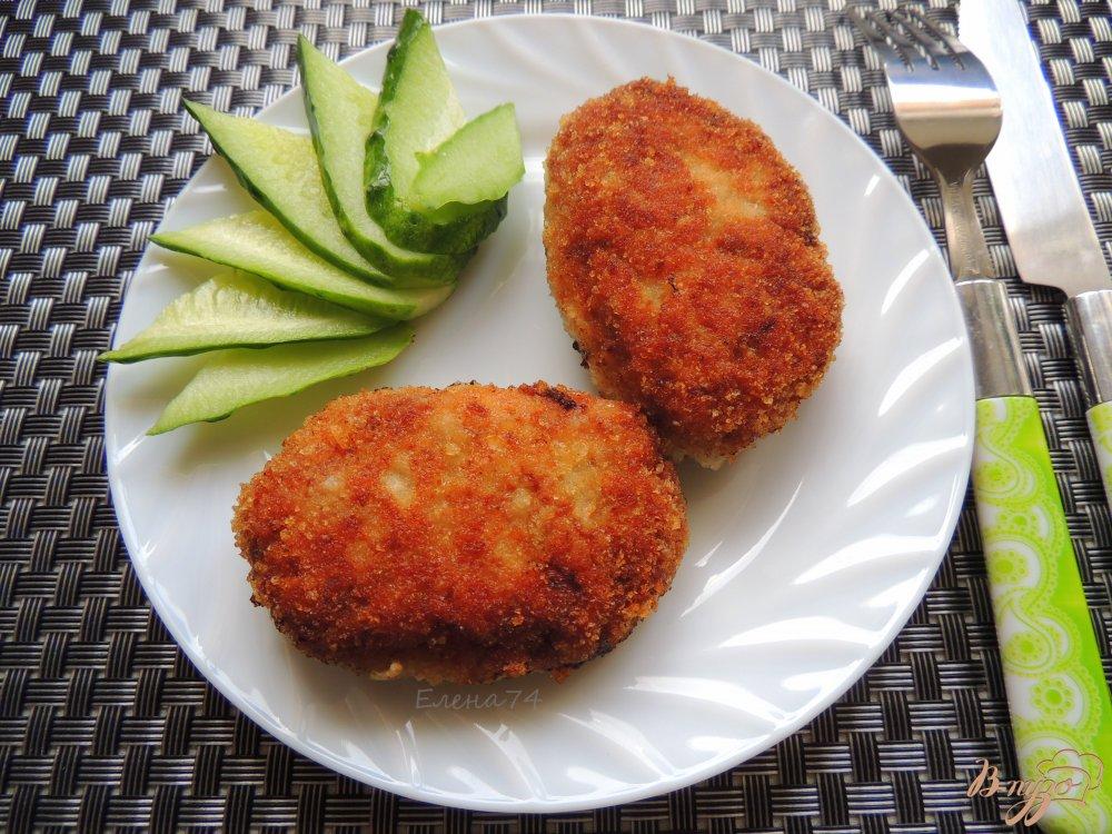 Фото приготовление рецепта: Куриные котлеты с грибами и овсянкой шаг №7