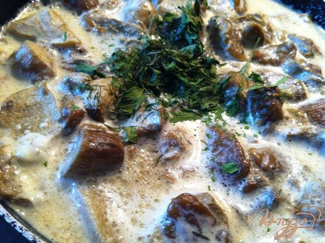 Фото приготовление рецепта: Соус из белых грибов шаг №4