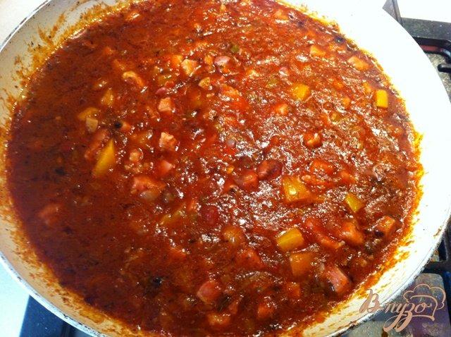 Фото приготовление рецепта: Спагетти с копченой грудинкой. шаг №7