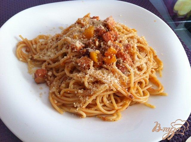 Фото приготовление рецепта: Спагетти с копченой грудинкой. шаг №9