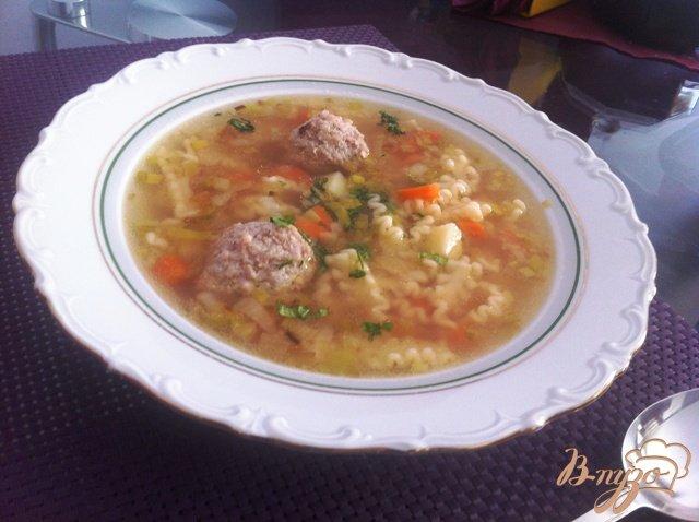 Фото приготовление рецепта: Суп с фрикадельками шаг №6