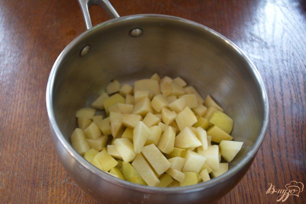 Фото приготовление рецепта: Наваристый суп на мясе с макаронами шаг №4