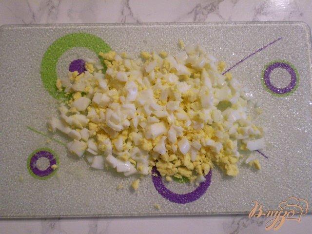 Фото приготовление рецепта: Суп капустный с пшеном и яйцами шаг №7