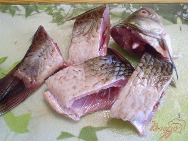 Фото приготовление рецепта: Жареная рыба с рисом шаг №2