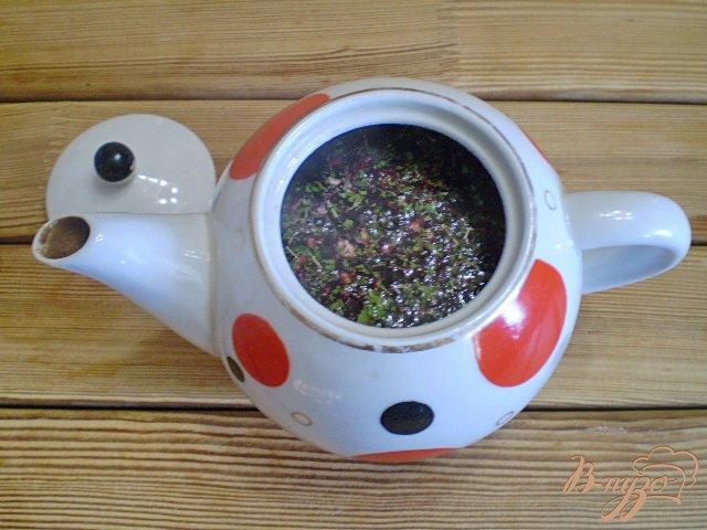 Фото приготовление рецепта: Чай из каркаде и мяты шаг №5