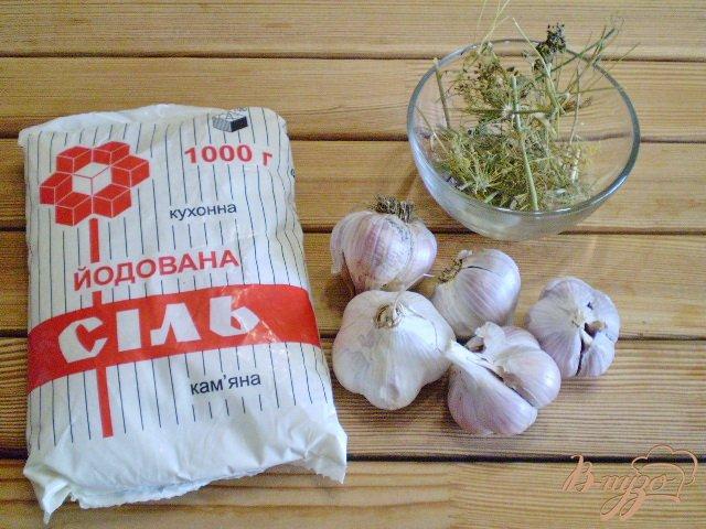 Фото приготовление рецепта: Адыгейская чесночная соль шаг №1