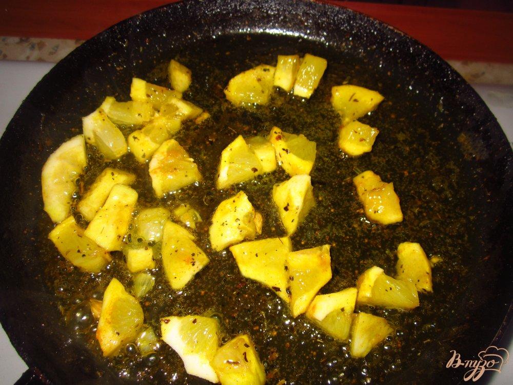 Фото приготовление рецепта: Рис по индийски с лимоном шаг №4