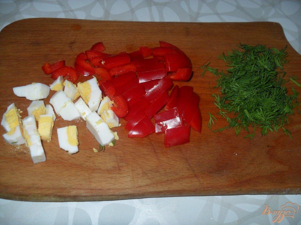 Фото приготовление рецепта: Вермишелевый суп с фрикадельками и яйцом шаг №3