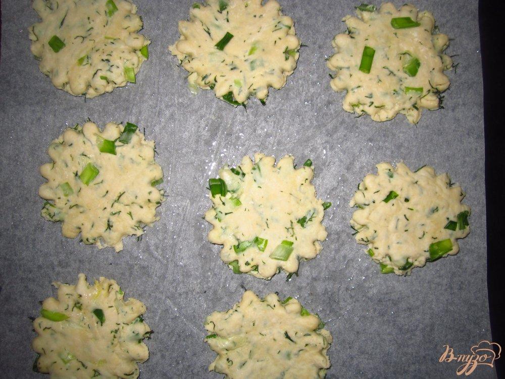 Фото приготовление рецепта: Коржики с зеленью шаг №5