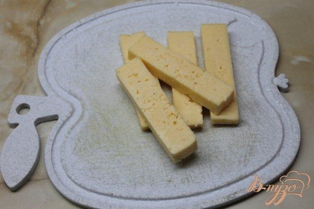 Сырные палочки со сметанным соусом