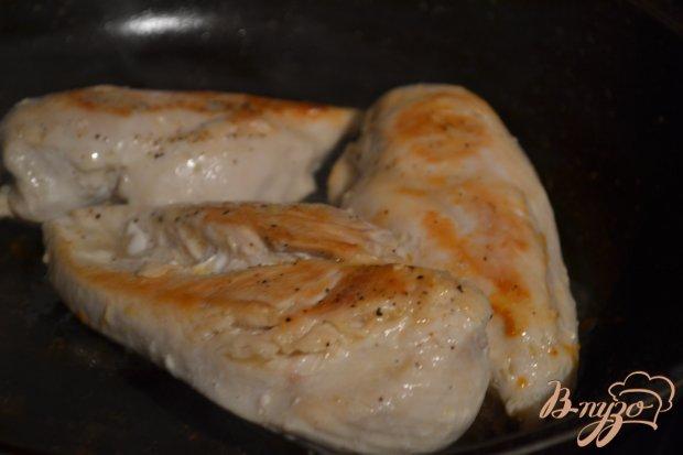 Рецепт Куриные грудки в соусе из красного вина с малиной