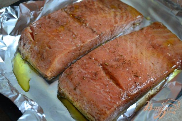 Филе лосося в винном соусе