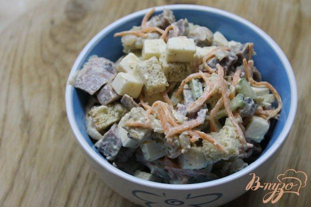 Салат с фасолью и копченым утиным окорочком