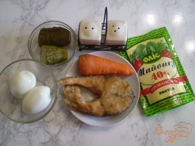 Салат с жареным толстолобиком