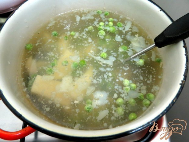 Суп пюре из горошка и шпината