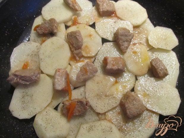 Тушеная картошка с капустой в подливке