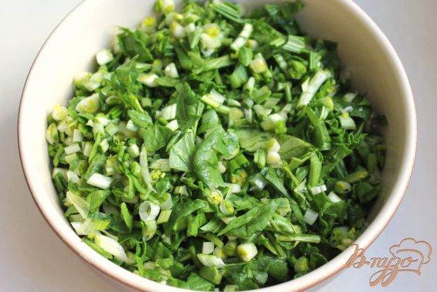 Салат с черемшой и шпинатом