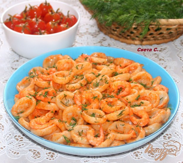 Домашняя паста орекьетте в томатном соусе с креветками
