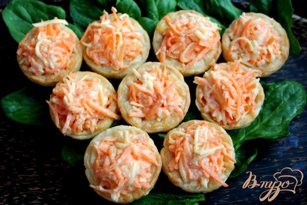 Тарталетки с морковным салатом