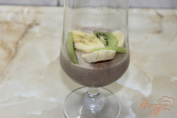 Шоколадно - творожный десерт с фруктами