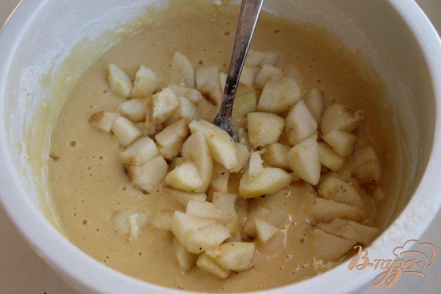 Оладьи с яблоком и орехами