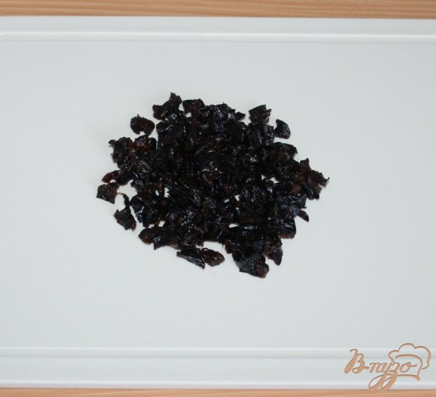 Пшенные булочки с черносливом