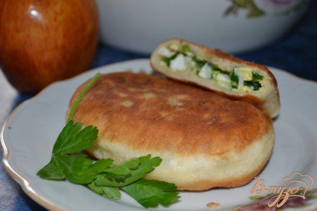 Жаренные пирожки с яйцом и луком