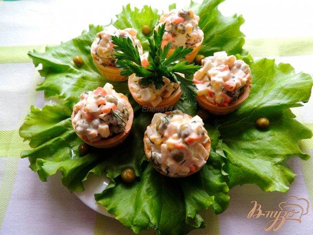 Салат из кальмаров в тарталетках