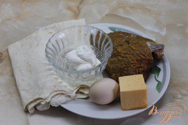 Лаваш с твердым сыром и копченой курицей