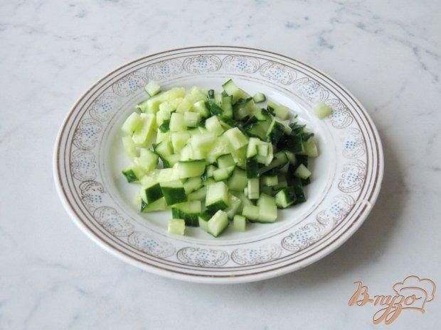 Салат с редькой, огурцом и помидором