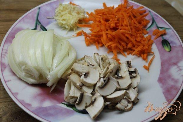 Куриные потроха тушенные с овощами в сметанном соусе