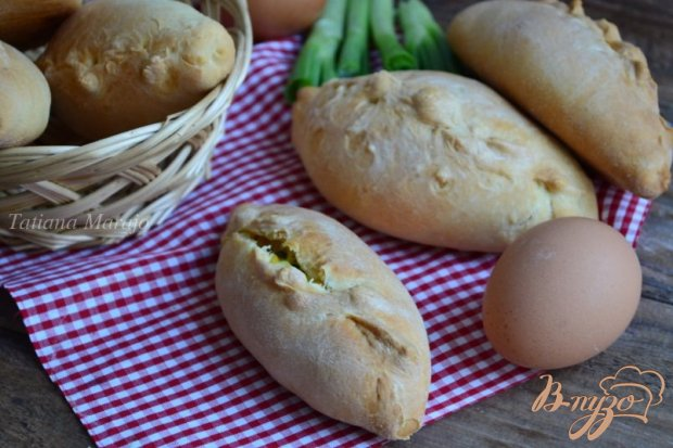 Пирожки быстрые с яйцом и луком