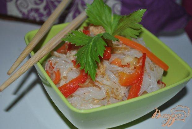 Рисовая вермишель с курицей и овощами