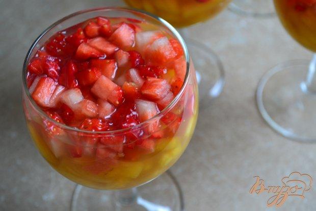 Чайно-медовое желе с фруктами