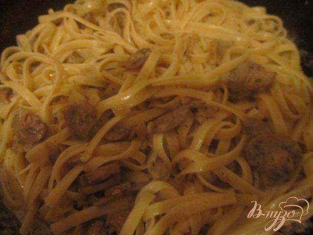 Лапша с шампиньонами в сметанно-соевом соусе