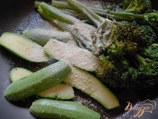 Гарнир из брокколини и цуккини с панировочными сухарями