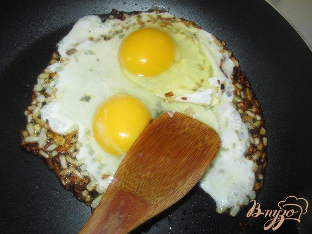 Рулет из лаваша с яйцом и сельдью