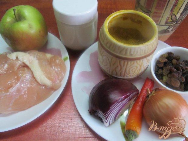 Рецепт Теплый салат с курицей яблоком и изюмом