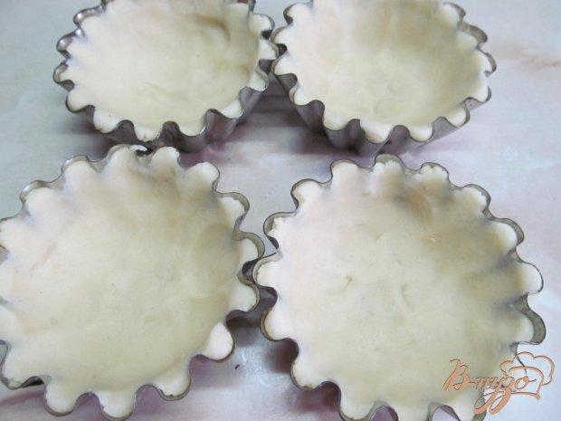 Тарталетки из песочного теста с салатом