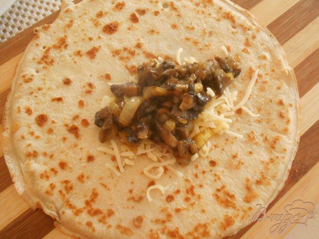 Блинчики с начинкой из грибов с карри