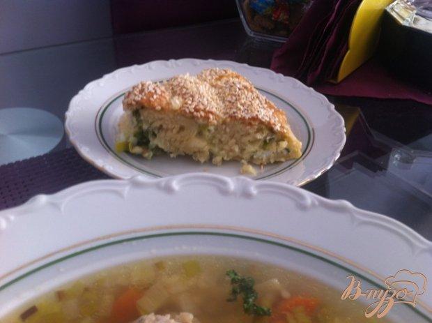 Пирог с яйцом, сыром и луком