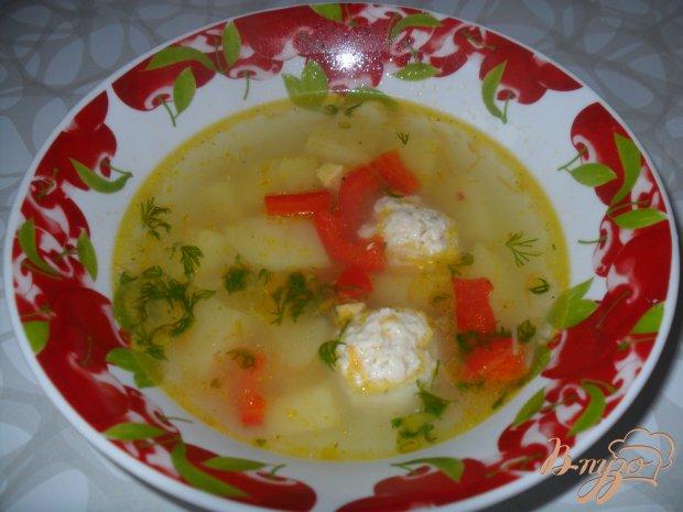 Вермишелевый суп с фрикадельками и яйцом